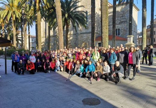 Veciños e veciñas de Ordes continúan realizando o Camiño Portugués pola costa