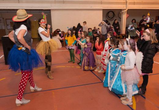 O Concello de San Sadurniño programa tres días de actividade para a rapazada con motivo do Entroido