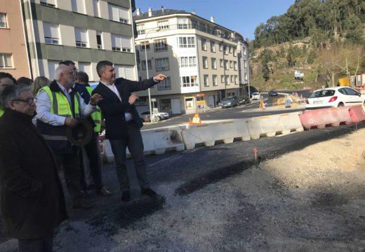 A Xunta remata a obras da glorieta da travesía de Portosín nas que investiu 370.000 euros para eliminar un punto negro de accidentes da comarca