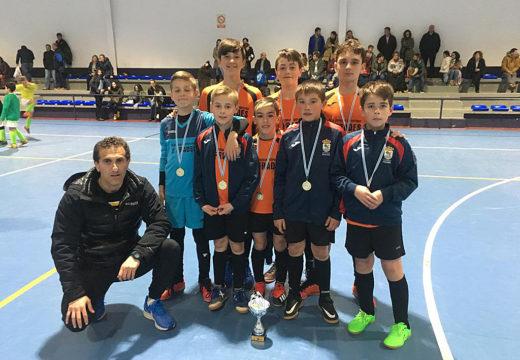 Os infantís das Escolas Deportivas de Frades proclámanse campións da Fase Zonal do Torneo Intercomarcal de fútbol sala base