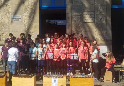 """Os institutos Virxe do Mar e Campo de San Alberto únense a """"Musiqueando 2019"""" e ofrecen un concerto nas rúas de Noia"""