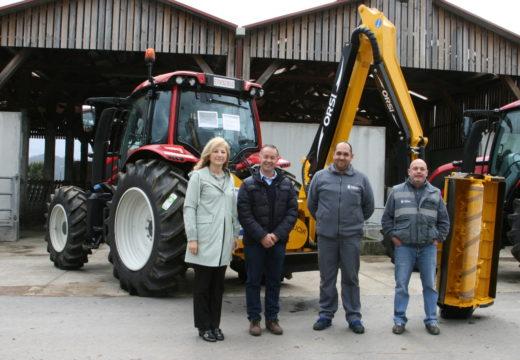 Entrega do novo tractor e dúas desbrozadoras