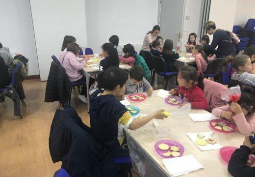 Os nenos de Touro participan nos obradoiros de cociña infantís