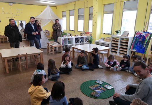 Ovidio Rodeiro visita o CEIP Heroínas de Sálvora que conta con varios programas de innovación educativa