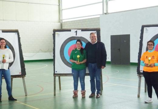 Dez para Hugo, Pilar e Rubén no X Trofeo de Laracha de Tiro con Arco