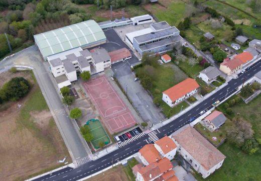 San Sadurniño concede 42 bolsas de estudo e para servizos de conciliación por un importe total de 16.400 €