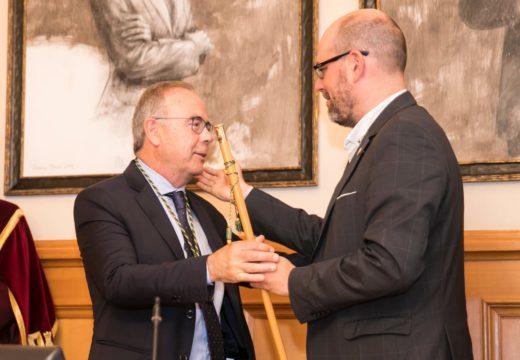 Sánchez Bugallo aposta por un «escenario de diálogo e negociación permanente» para darlle a Santiago un «impulso decisivo»