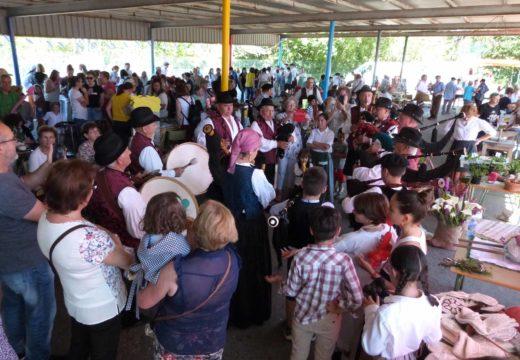Centos de veciños e veciñas participaron no cuarto Mercado Tradicional do CPI Cernadas de Castro de Lousame