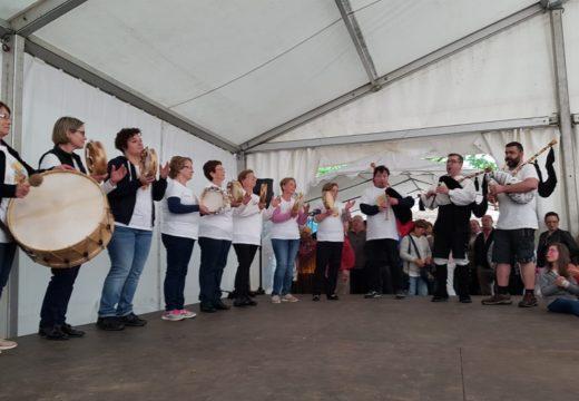 O campo da festa de Galegos (Frades) acollerá este domingo a II Foliada Airiños Galegos
