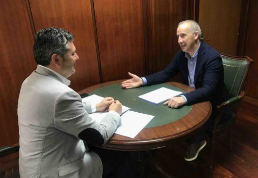 Ovidio Rodeiro mantivo un encontro de traballo co alcalde de Coristanco