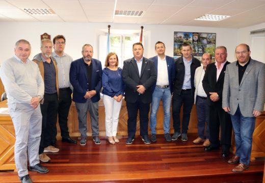 Roberto Rey toma posesión como alcalde de Frades comprometéndose a mellorar os servizos sociais e promover a creación de emprego