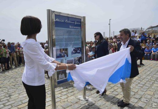 Emoción e bágoas na multitudinaria inauguración do paseo marítimo Plácido Betanzos' un ano despois do seu pasamento