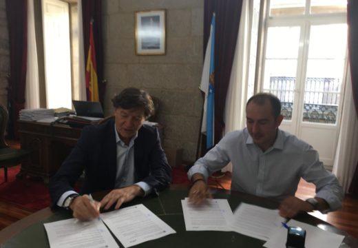 O secretario xeral para o Deporte asina o convenio para a realización da segunda fase da piscina municipal de Souto por un importe de 70.000 euros