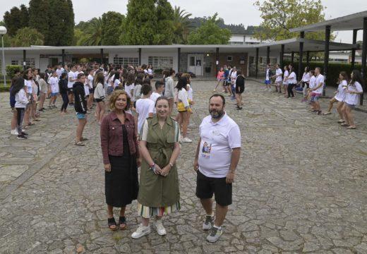 A Xunta promove a participación da mocidade en actividades relacionadas co mar no campamento de verán de Gandarío