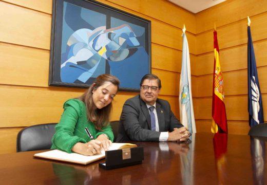 Inés Rey anuncia a súa intención de incorporar á Universidade no deseño urbano da cidade