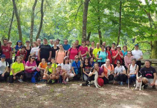 Arredor de 60 amantes do sendeirismo participan na xornada do Goza do Ulla en Boqueixón