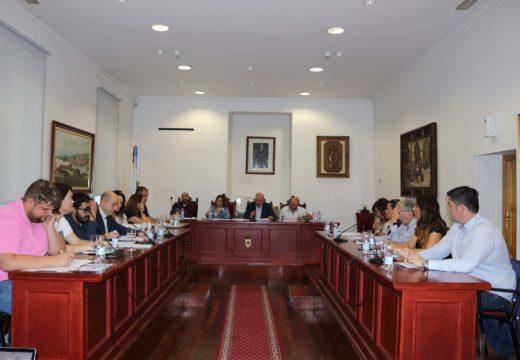 O Pleno Municipal de Noia aproba catro dedicacións exclusivas e dous cargos de confianza