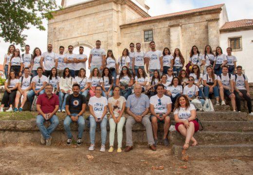 Corenta mozos e mozas de Guillena (Sevilla) visitan Brión