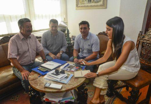 Goberno local e empresarios reúnense para articular fórmulas de colaboración dirixidas a dinamizar o sector servizos