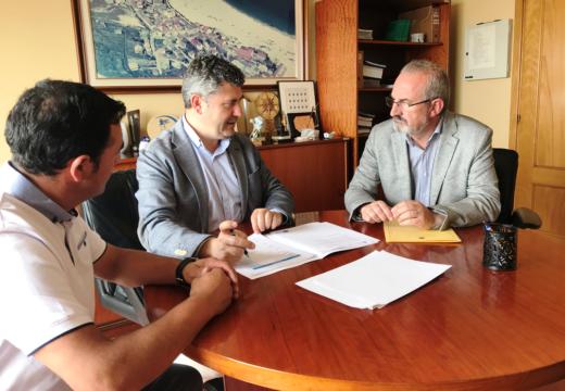 Ovidio Rodeiro mantivo un encontro de traballo co alcalde de Laxe