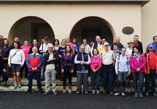 Novo éxito de participación na ruta polo Río Vilacoba en Lousame con Galicia Senderismo