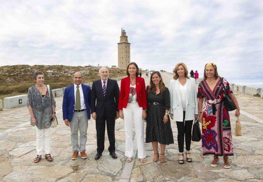 A ministra de Industria, Reyes Maroto, comprométese na Coruña a impulsar un plan de reindustrialización da cidade e a súa comarca