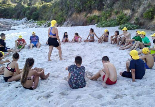 Nenos e nenas de Touro desfrutan dunha semana de campamento na Illa de Ons