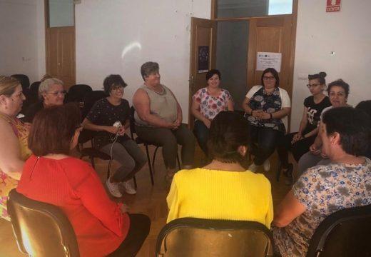 Novas oportunidades de busca na emprego paraas mulleres da comarca grazas ao programa Enredando