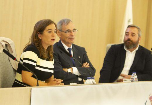 Inés Rey apela ao diálogo e á colaboración como o mellor modo de solventar problemas entre as administracións públicas