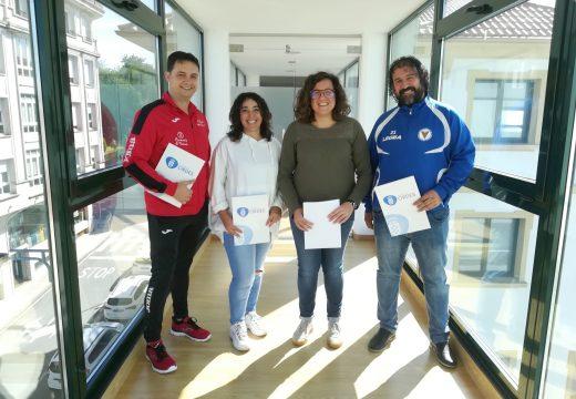 O Concello de Ordes asina os convenios coas escolas municipais de fútbol, hóckey e fútbol sala