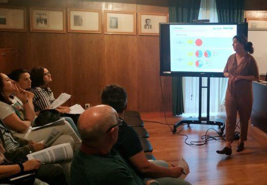 Unha ducia de persoas participaron no obradoiro sobre o recibo da luz e do gas impartida pola Escola de Enerxía da Fundación Naturgy