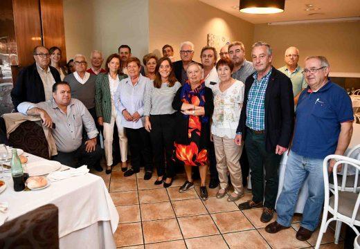 Inés Rey aposta por unha comunicación fluída coas asociacións veciñais