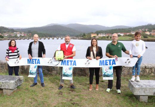 "Os 300 participantes no XI Tríatlon Ponte Nafonso ""Memorial Míchel"" 2019 doan un desfibrilador automático á Cruz Vermella Noia"