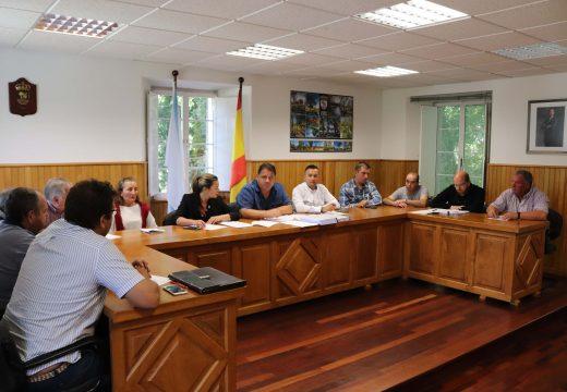 O Concello de Frades investirá máis de 100.000 euros na impermeabilización e mellora do vaso da piscina municipal