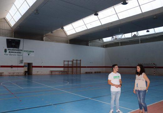 O Concello de Lousame remata as tarefas de limpeza e mantemento do ximnasio e o polideportivo municipal
