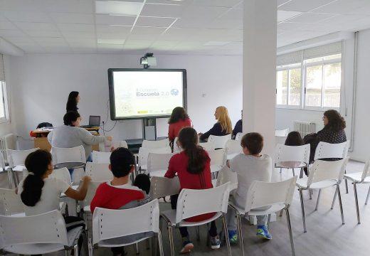 """Familias de Lousame participan nas xornadas formativas """"Navegando en familia"""""""