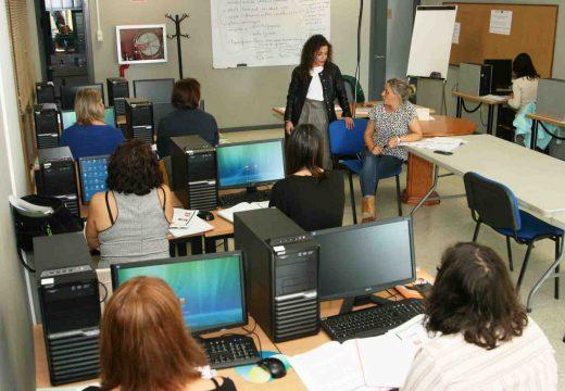 A presidenta da Mancomunidade de Ordes asiste ao primeiro día do curso Fortalecemento da igualdade das mulleres na procura de emprego