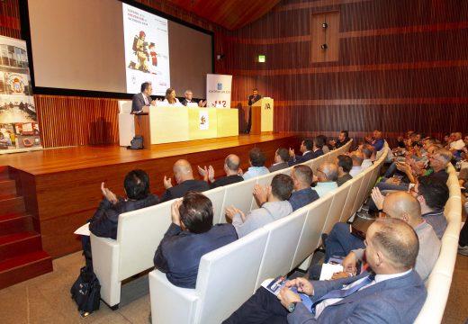 O Concello aposta por un proxecto pioneiro en España que instala gratuitamente detectores de incendio nos fogares con persoas maiores