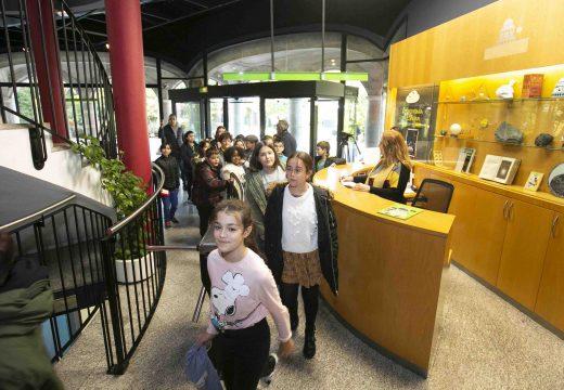 O alumnado do CEIP José Cornide Saavedra protagoniza a visita catro millóns da Casa das Ciencias