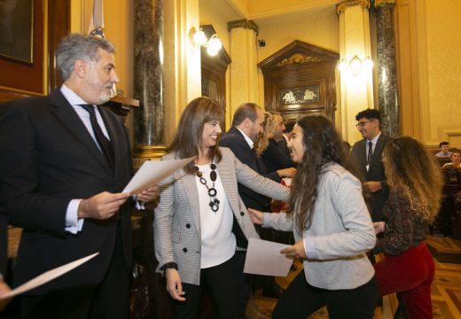 Martínez Acón presidiu o xurado da fase provincial do I Torneo Nacional de Debate Económico para o alumnado de Bacharelato