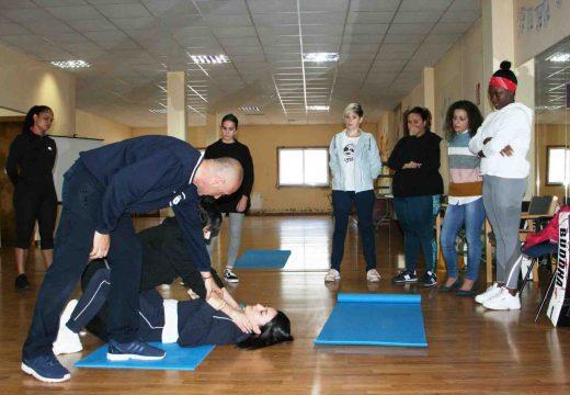 A presidenta da Mancomunidade de Ordes clausura o curso Autodefensa para mulleres en situacións violentas