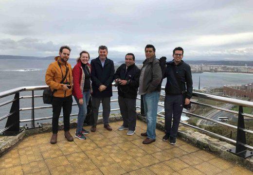 Ovidio Rodeiro recibe na Coruña a un grupo de xornalistas mexicanos que participan nunha viaxe organizada pola xunta para promover a costa e os faros de Galicia