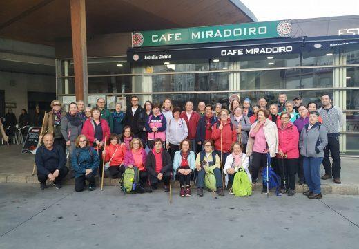 """Un total de 45 veciños e veciñas de Frades participan na primeira etapa do Camiño de Santiago """"Vía da Prata"""", entre Xinzo e Allariz"""