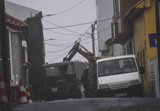 En marcha a renovación da rede de pluviais, saneamento e pavimentación das rúas Prado, Rocapellón e Campo da Agra en Corrubedo