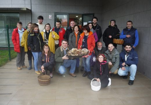 Amantes dos cogumelos e fungos participaron hoxe nas XV Xornadas Micolóxicas de Touro