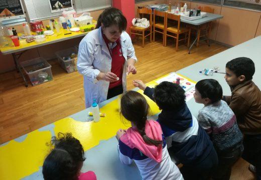 As Tardes de Contos e Lendas deixan ben claro que 'as rapazas tamén son de ciencias'