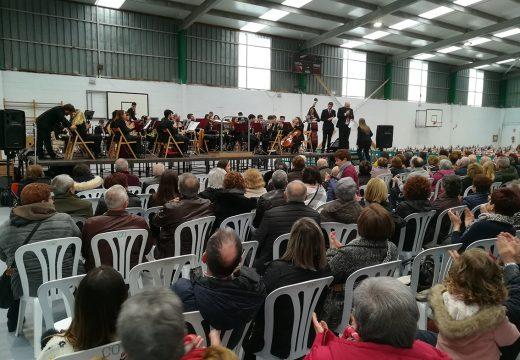 Centos de persoas participan nos actosde celebración da Santa Icía