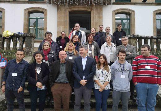Ovidio Rodeiro visita o obradoiro de emprego de Rianxo que formará a 15 alumnos en instalacion de xeso laminado e falsos teitos