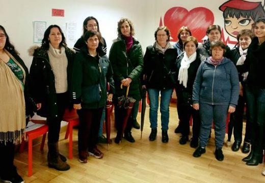 Unha ducia de persoas participan no taller Técnicas de mobilización e transferencia de pacientes