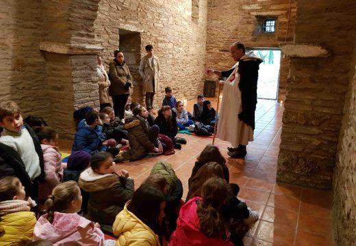 Un centenar de nenas e nenos xa forman parte da Orde Donas e Cabaleiros do Camiño do Holandés